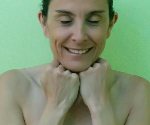 Yoga facial: Papada