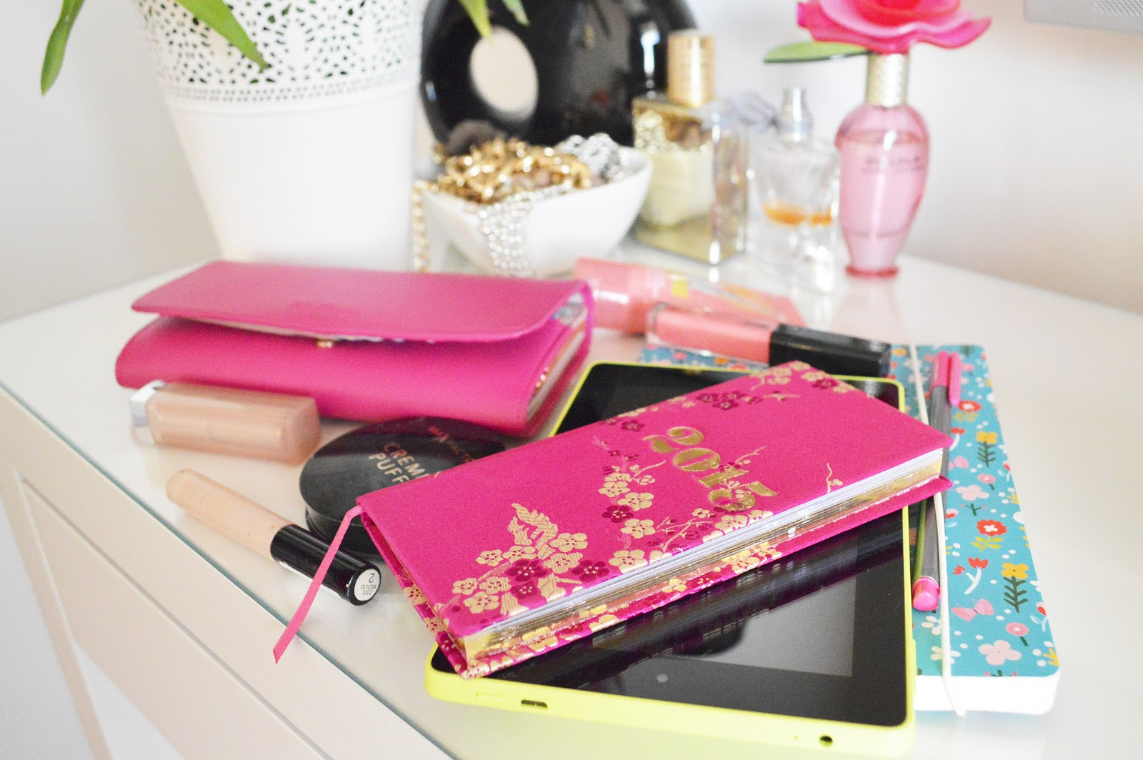 2412b8a85fb My 2015 diary is from Paperchase, where I try and buy all my nice  stationary from since it's all so pretty! This is a slimline one that's  perfect handbag ...