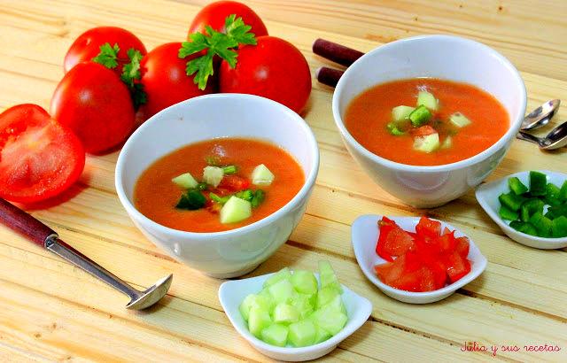 Gazpacho andaluz. Julia y sus recetas