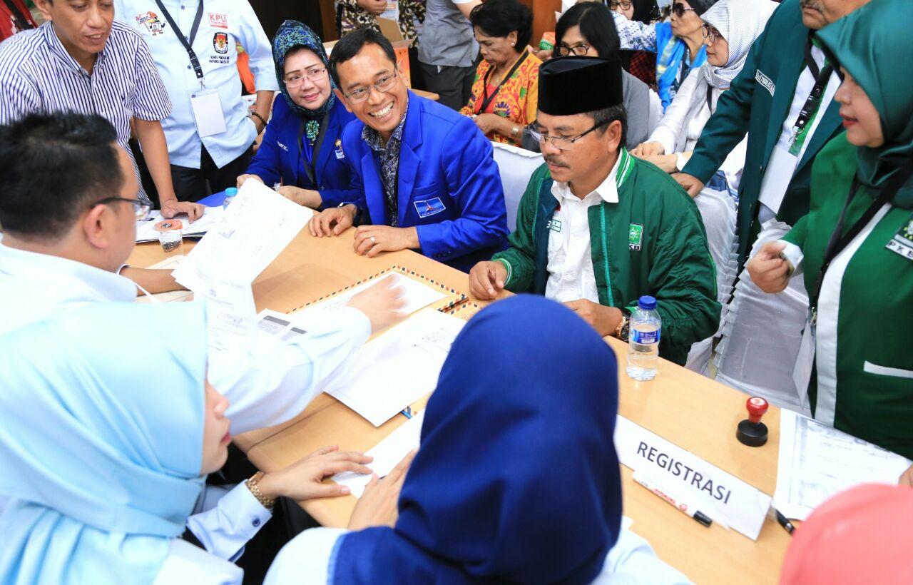 JR Saragih mendaftar ke KPU Sumut