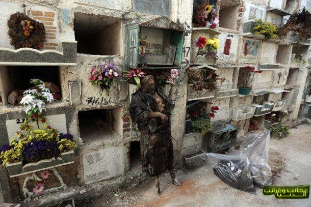 طرد الموتى لعدم تسديد أجرة القبور!