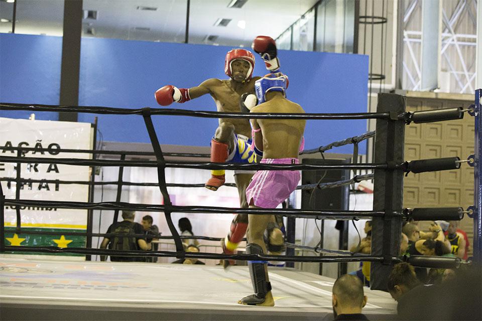 Combate de Muay Thai no Arnold Classic Brasil 2015. Foto: Divulgação