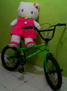 Boneka Hellokitty Dress Bulu 1 Meter