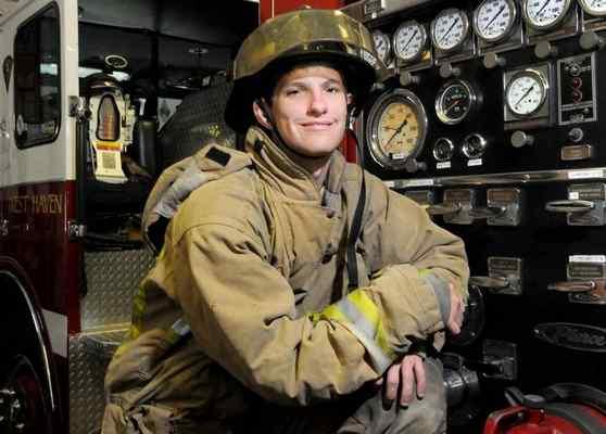 El bombero sordo Joe Ronan de Estados Unidos