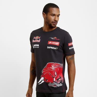 Foto de homem usando Camiseta Red Bull Teamwear