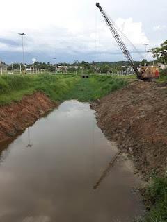 Prefeitura de Miracatu realiza serviço de limpeza de córregos