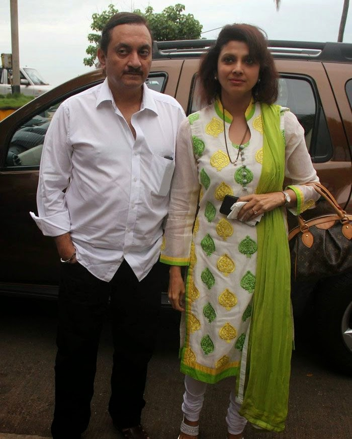Ajay Shankar, Varsha Usgaonkar, Pics from Condolence Meeting of Late Filmmaker Ravi Chopra