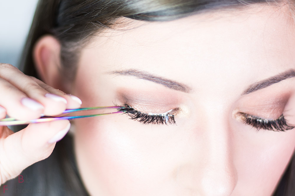 False Lashes Guide Wimper außen anbringen