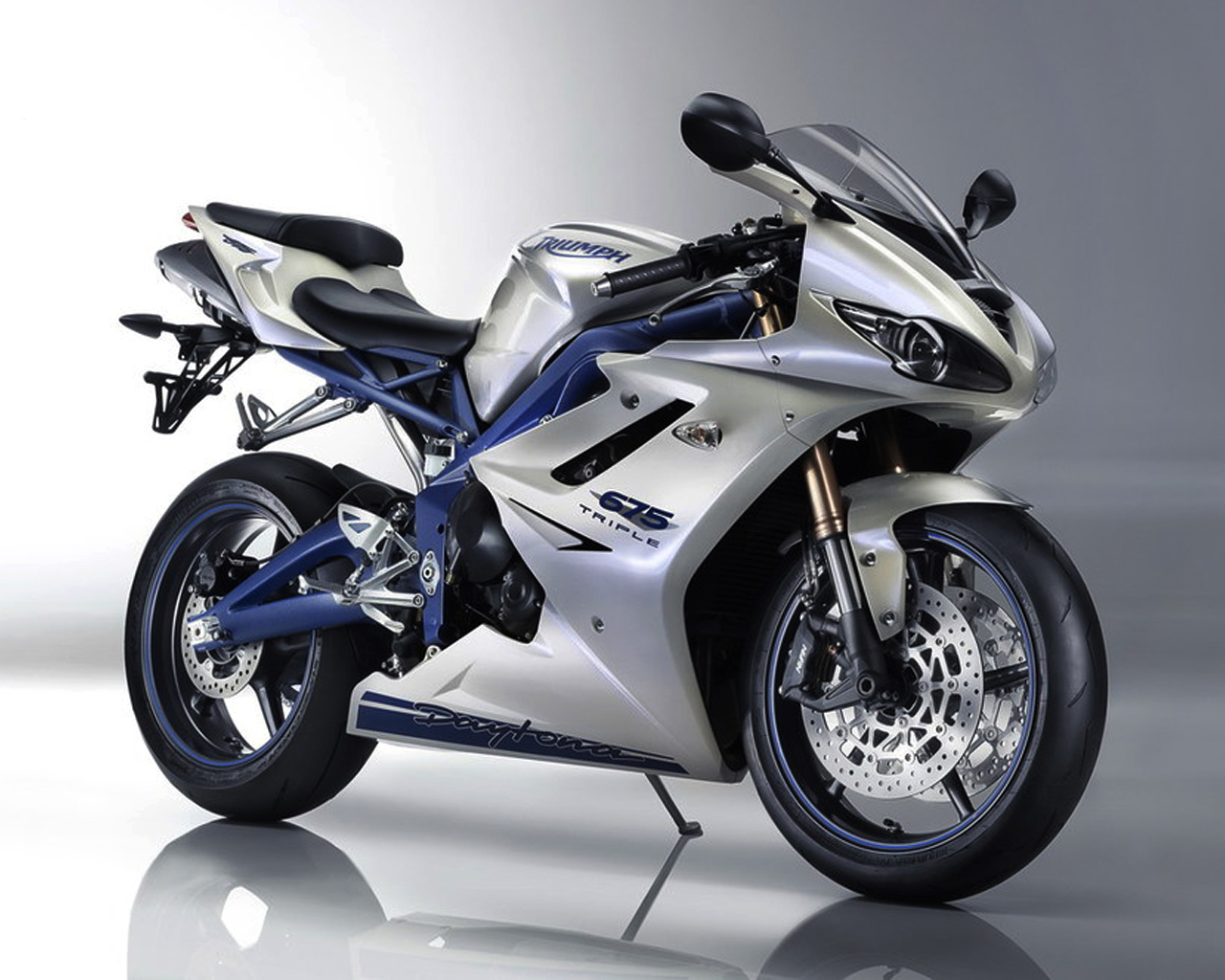 All 'bout Cars: Triumph Daytona 675