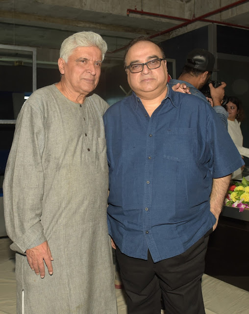 9. Javed Akhtar with Raj Kumar Santoshi during Mahurat ceremony  of the film GENIUS