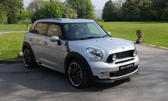 Mini Countryman Cooper SD front view with bodykit