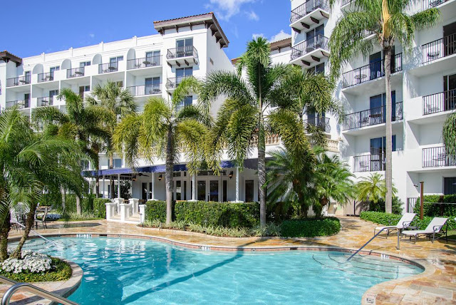 Experience a vacation like no other at Inn at Pelican Bay, the hotel destination conveniently located in Naples, Florida.