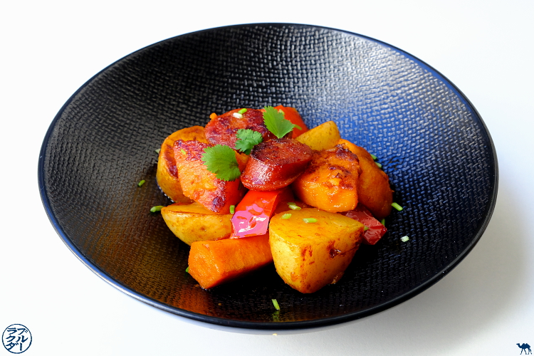 Le Chameau Bleu - Blog Cuisine et Voyage - Recette d'une poêlée espagnole au Chorizo Poivron Pomme de terre et Potimarron