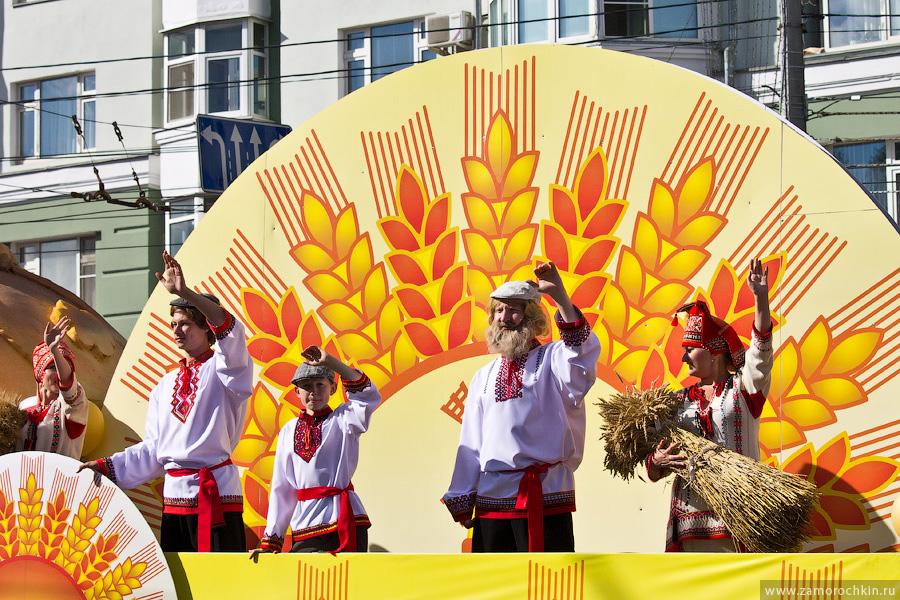 Участники празднования тысячелетия единения мордовского народа с народами России