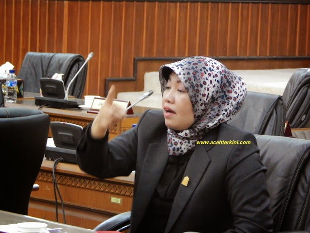Banyak Perempuan Aceh Tidak Berbusana Muslim Lagi