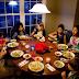 Beberapa manfaat yang anda dapatkan untuk kesehatan si kecil jika makan malam bersama