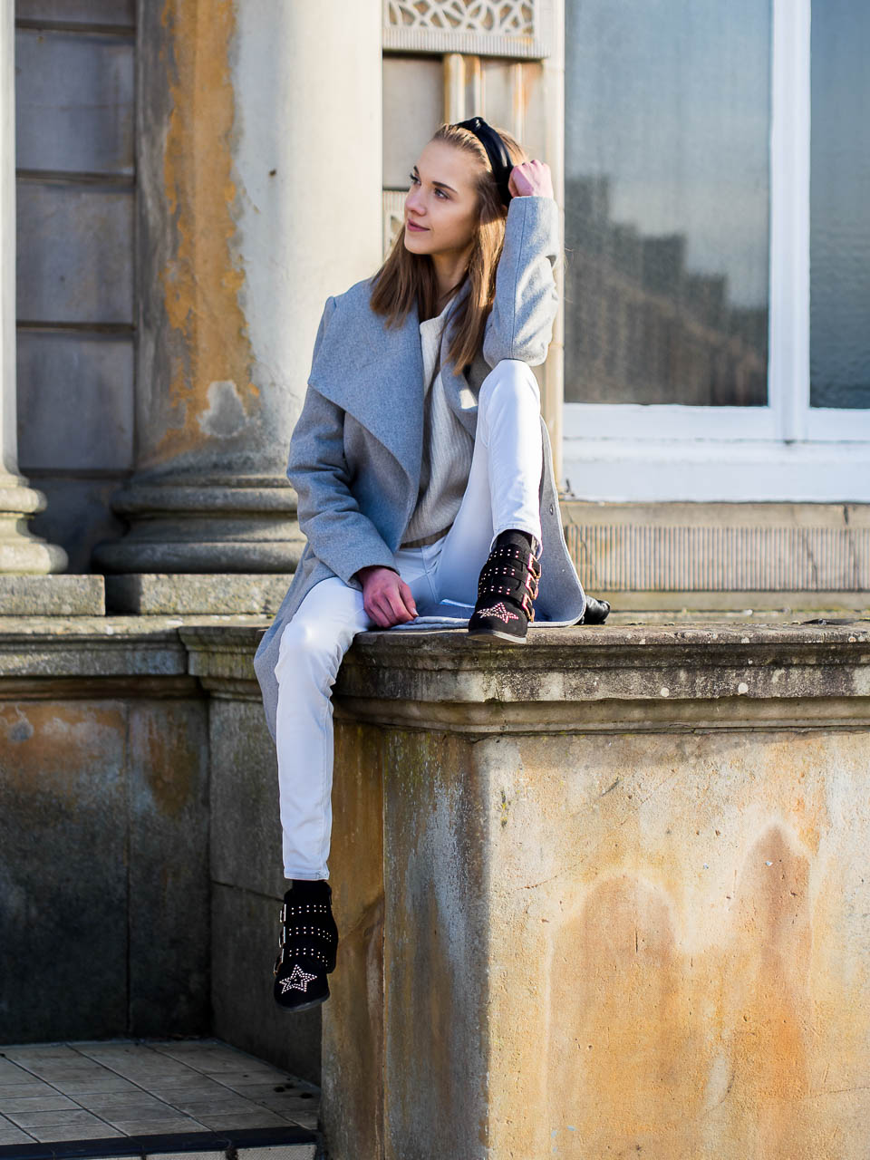 neutral-coloured-outfit-inspiration-fashion-blogger