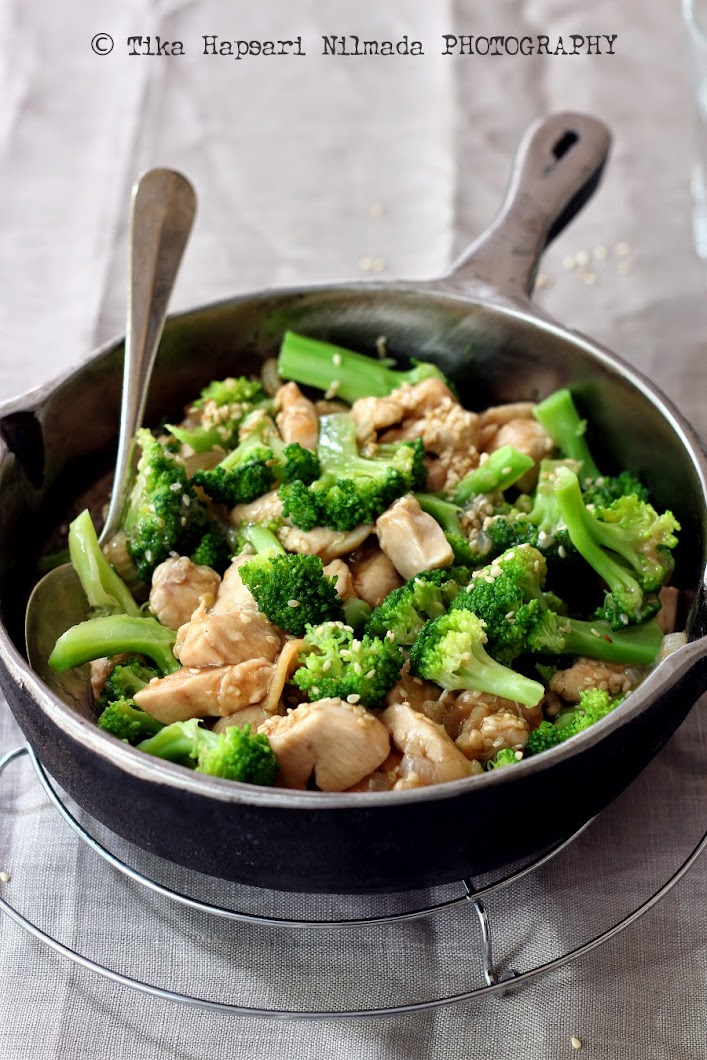 Cooking Chapter Broccoli  Chicken Stir-Fry With Oyster Sauce-3288