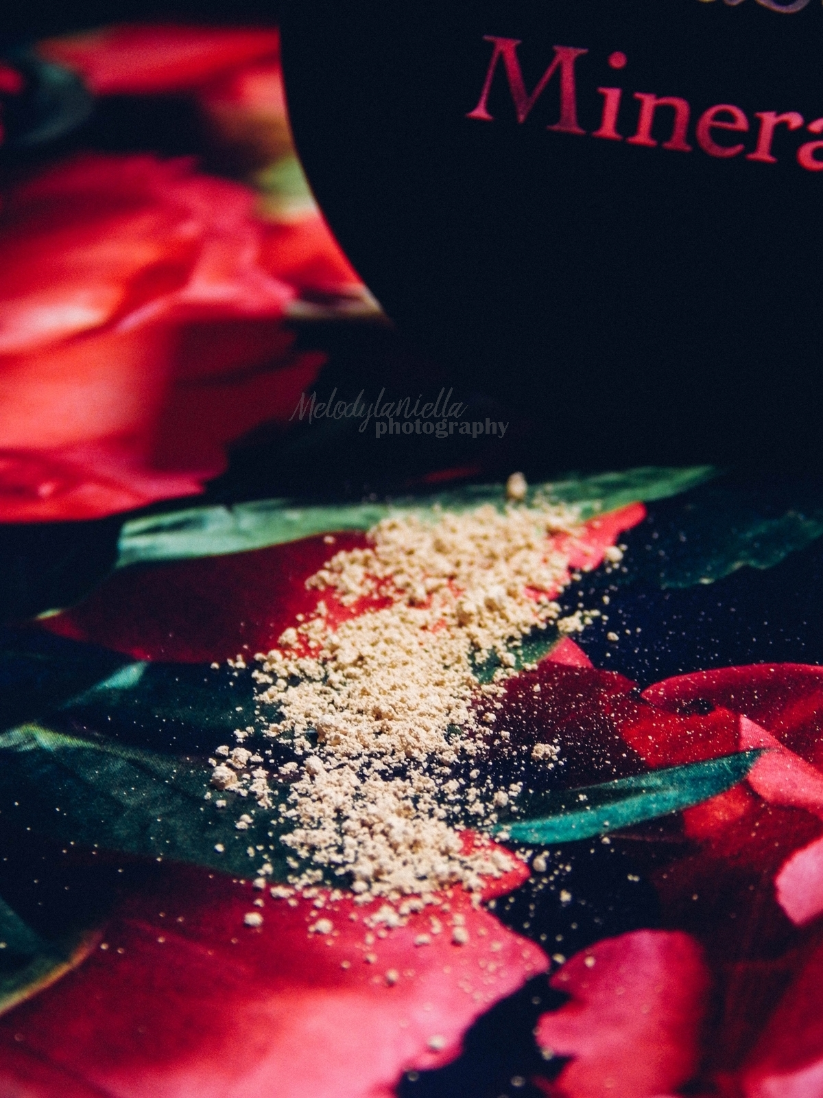 annabelle minerals kosmetyki mineralne zestaw matujący korektor podkład róż gratis pędzel jak używać kosmetyków mineralnych recenzja melodylaniella kosmetyczne nowosci