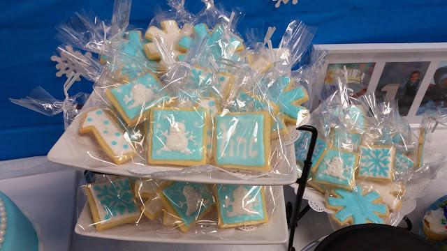 blue and white sugar cookies winter wonderland birthday favors jellybeantrail