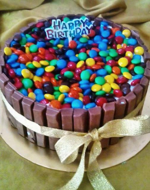 Kek Coklat Kit Kat Atau M&M