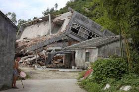 Igreja católica demolida em Wenzhou, província de Zhejiang.