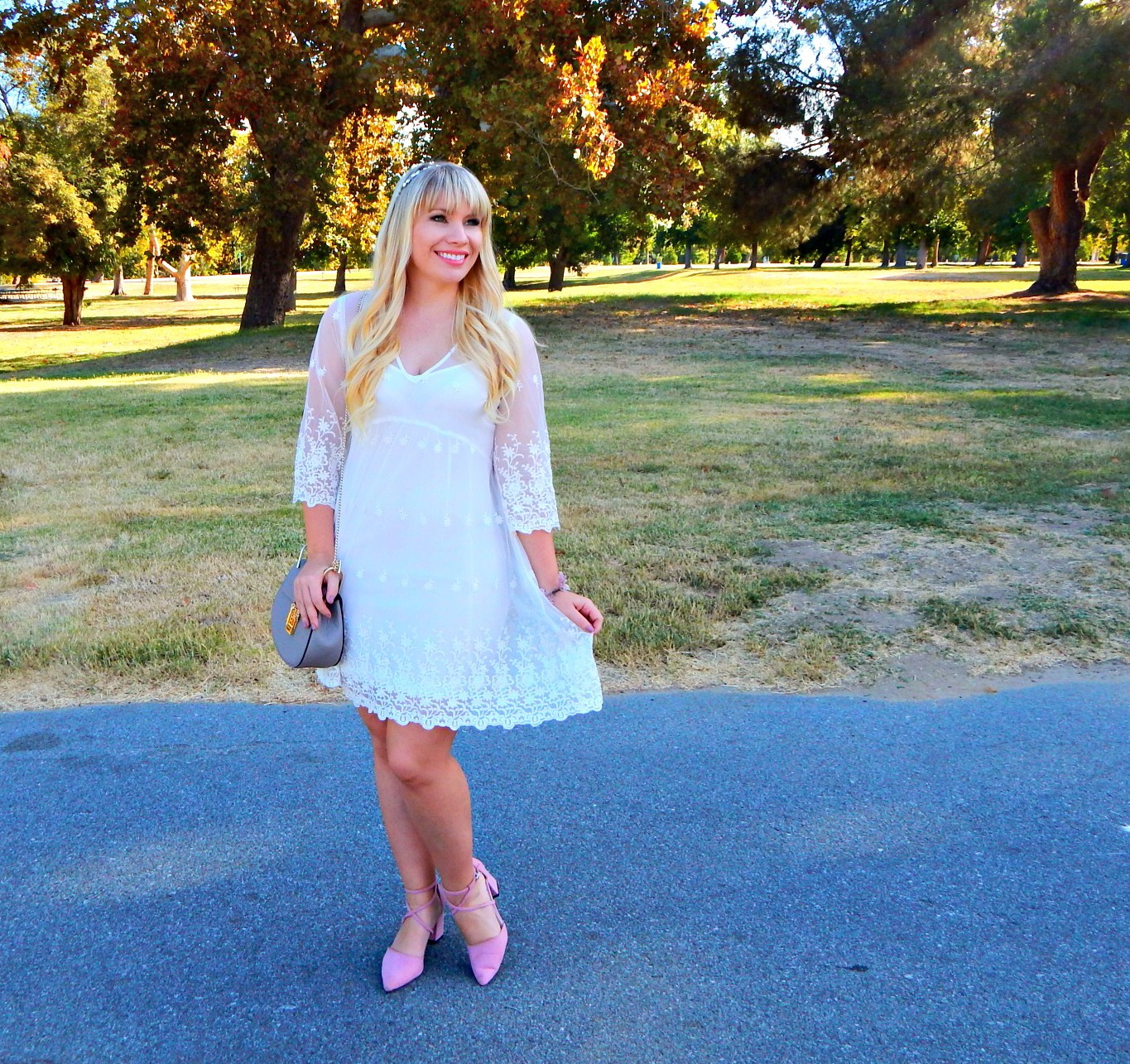 Little Lace Dress & Friday Favorites Link Up