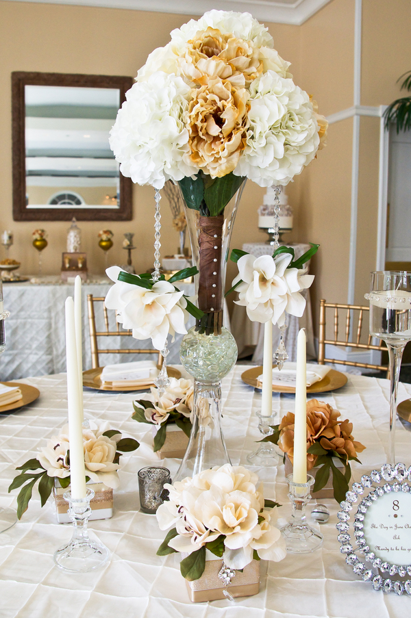 bridal+bride+rustic+white+wedding+outdoor+organic+fabric+centerpieces+beige+champagne+peach+brown+southern+outdoor+barn+farm+farmhouse+fall+autumn+themed+inspiration+Shabby+chic+Mixed+Media+Inc+21 - Country Harvest