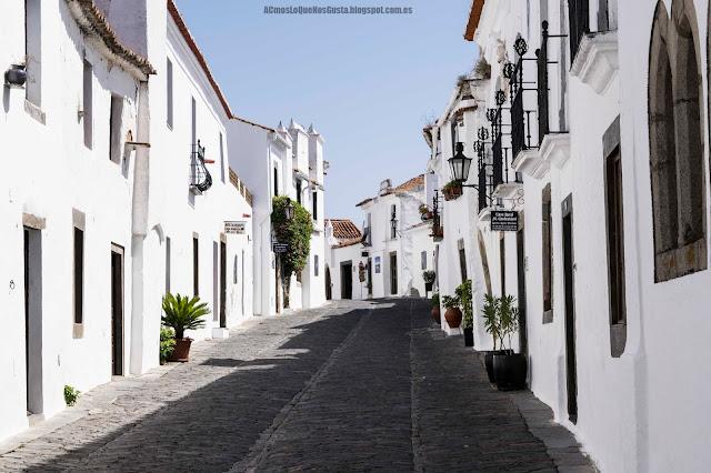 calle-típica-Monsaraz