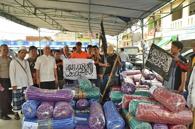 Aksi Peduli HTI di Luar Batang - Abad Khilafah