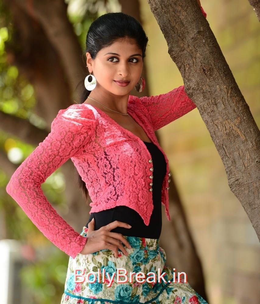 Telugu Actress Naveena, Actress Naveena Latest Stills