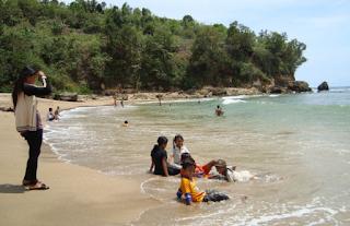 Pantai Pangi
