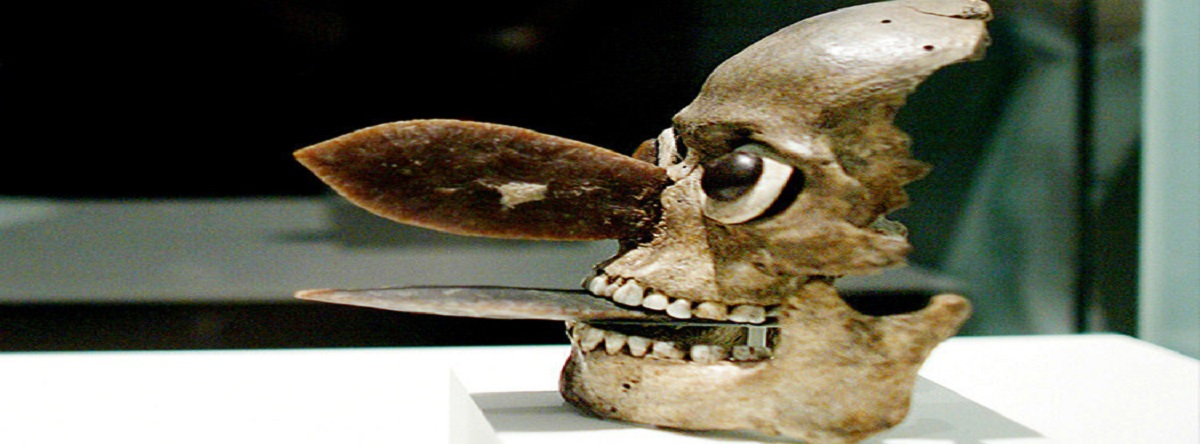 máscaras aztecas hechas de cráneos humanos