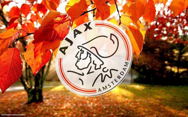 Leuke Ajax achtergrond met logo en herfstbladeren