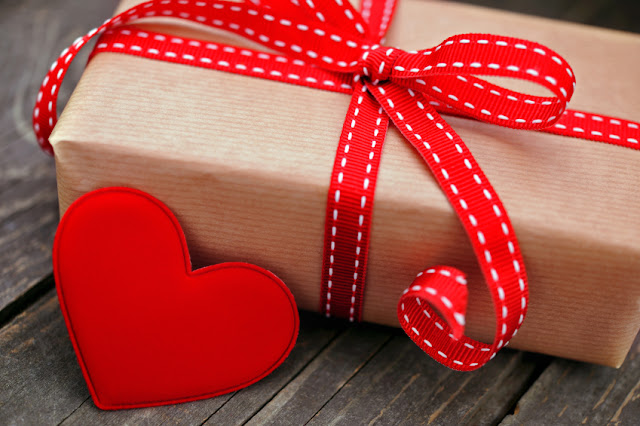 Happy Valentine Day Gift 2018 || Valentine Day Gift For Him And Her (Present,Gift Hampers And Surprise)
