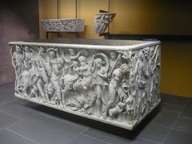 sarcofago nel museo gregoriano profano