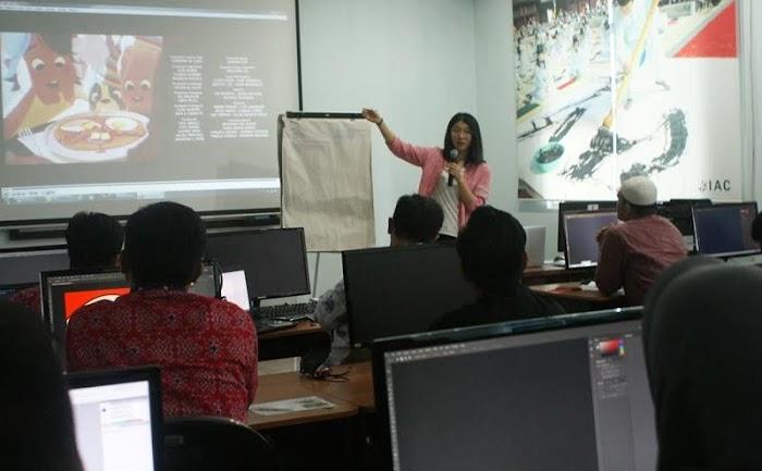 Dosen Tiongkok Ajari Mahasiswa Darmajaya Tentang Animasi