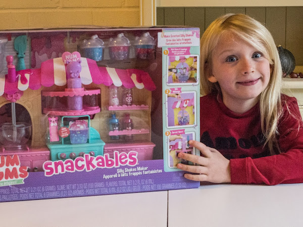 Num Noms Smoothie Movie Night and the Snackables Silly Shakes Maker Review
