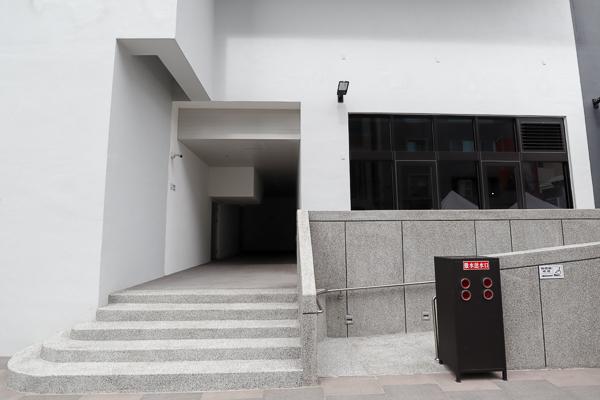 台中忠孝國賓影城12座國際規格影廳,看完電影還可以逛忠孝夜市