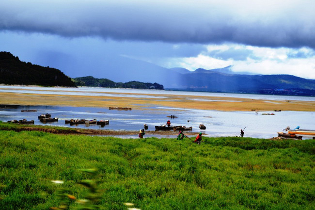 Xvlor Paniai Lakes is strand of three beautiful lakes in the Heart of Papua