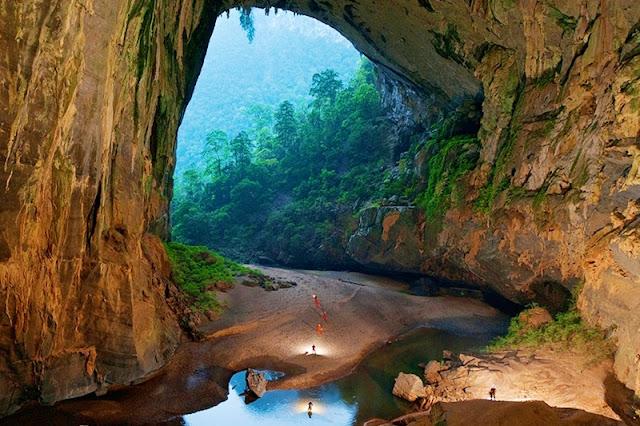 Du lịch hang động Sơn Đòong