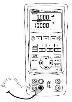 Fluke 724 Temperature calibrator measures electrical parameters in lower display