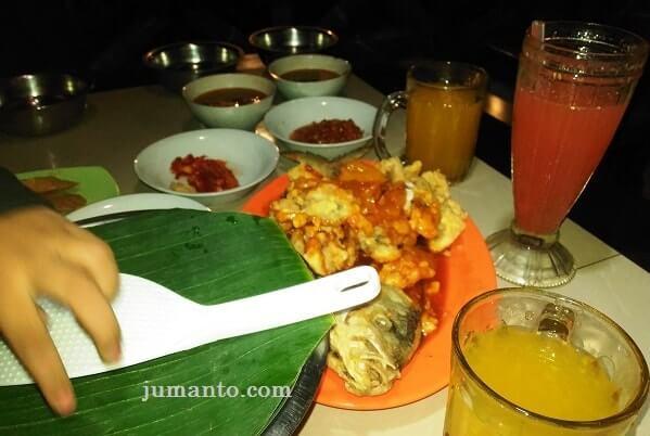 menu makanan di Pindang Riu Bandar Lampung