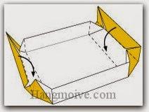 Bước 10: Gấp hai cạnh giấy vào trong.