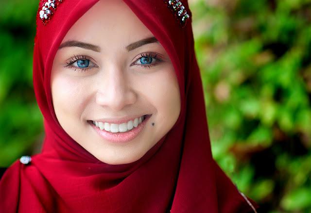 Astagfirullah, Ini 6 Dandanan Haram untuk Muslimah
