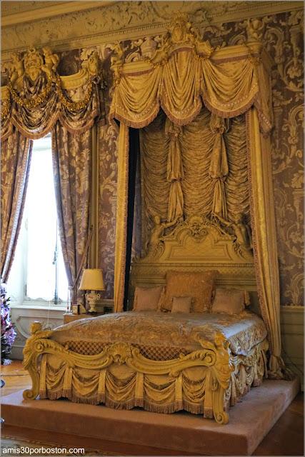 Cama del Dormitorio de Alva en Marble House, Newport