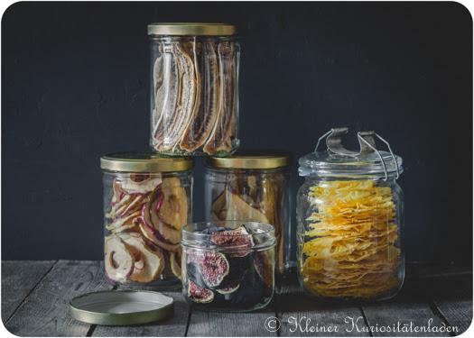 Bananenchips, Apfelringe, Feigen-, Birnen- und Ananaschips
