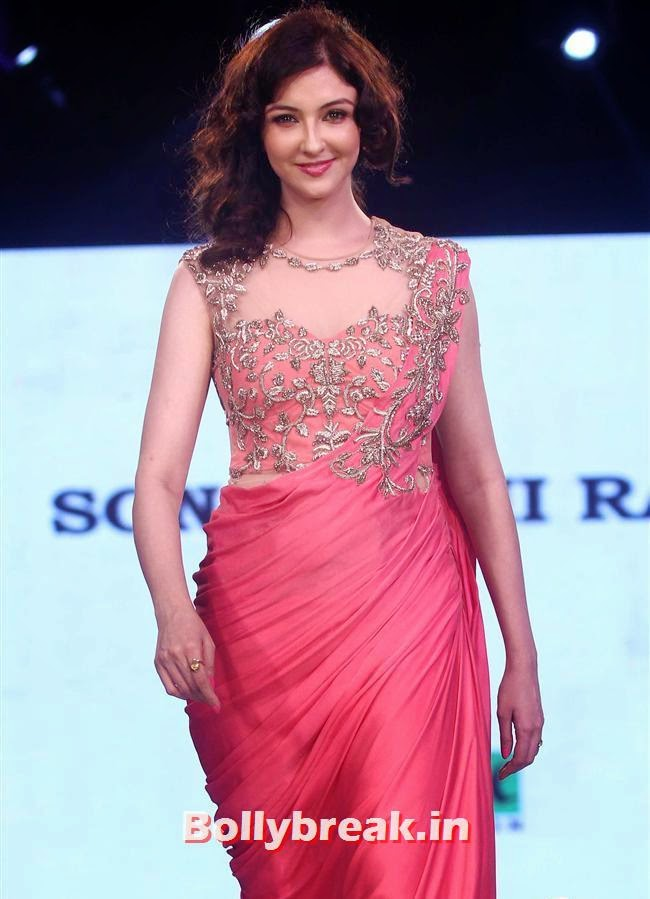 Charity Fashion Show of Smile Foundation, Celebs Sizzle in Ramp at Charity Fashion Show of Smile Foundation