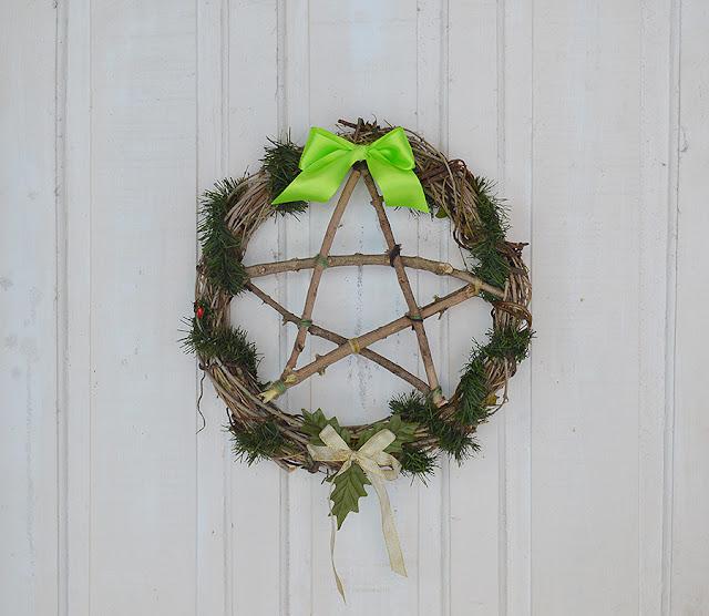 Witch DIY: Garland