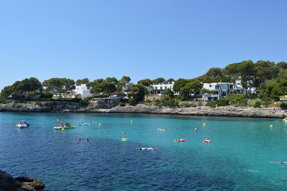 Which is the best resort in Majorca for your family holiday?  #Majorca #Mallorca #FamilyTravel #Balaerics #UKFTB - Cala D'or